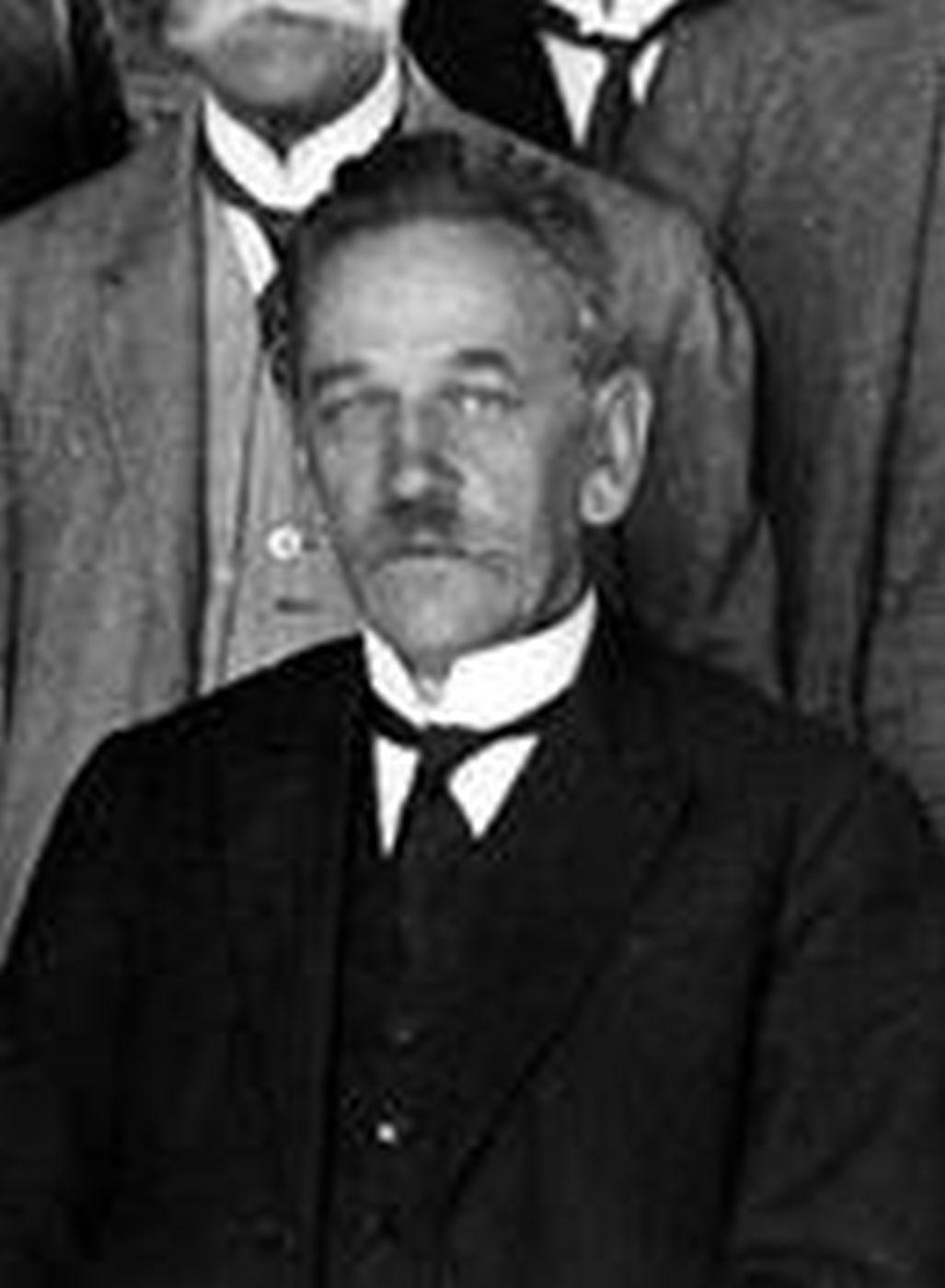 Первый премьер-министр возрожденного польского государства Енджей Морачевский