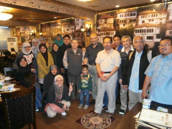 m_group photos after eating