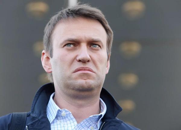 Навальный зовет на выборы, или Как ревность блогера сгубила протест