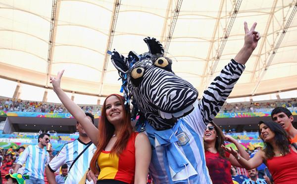 0 Belgium-and-Argentina-fan-001