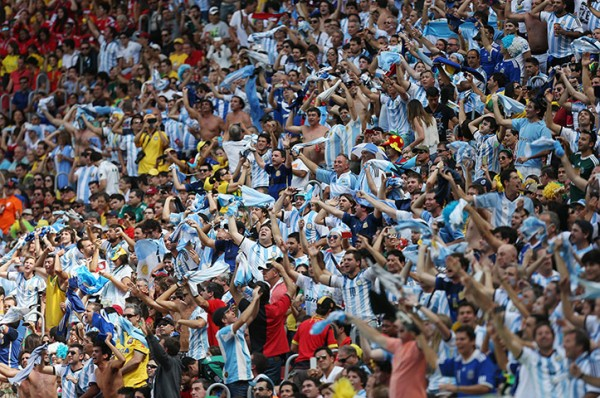 4 The-Argentina-fans-are-ra-005