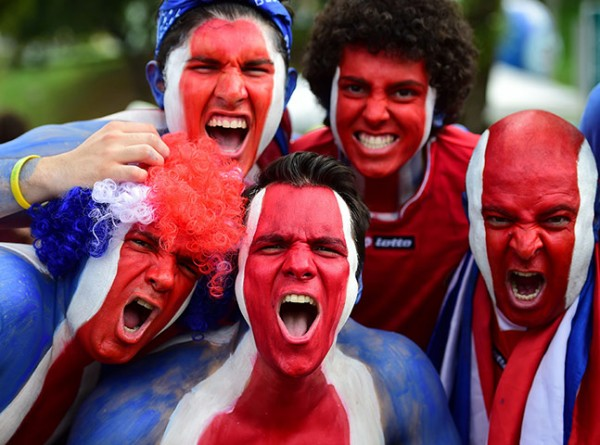 1 Costa-Rican-supporters-ch-003