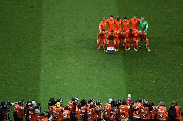 2 The-Holland-team--006
