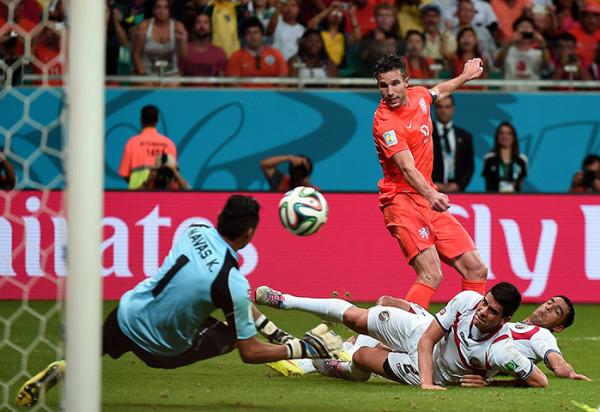 9 Netherlands-forward-Robin-026