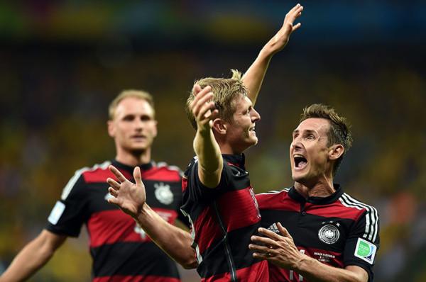 4 Germanys-midfielder-Toni--016