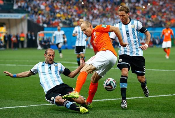 2 Arjen-Robben-009
