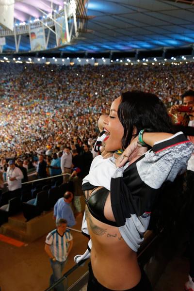 12 Rihanna