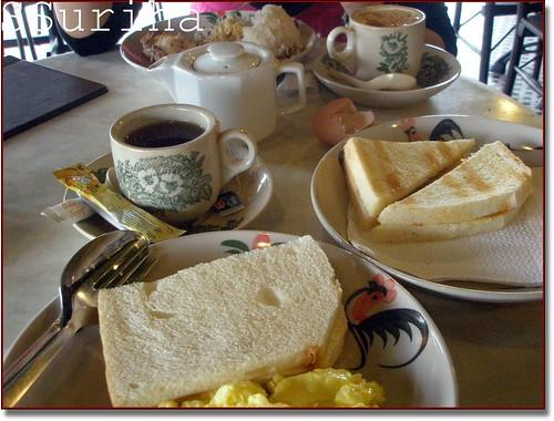 Sarapan pagi Roti Bakar Kopitiam Bangi