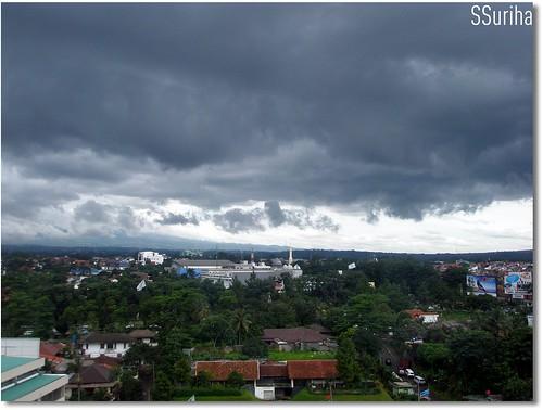Mendung tanda mahu hujan Bogor