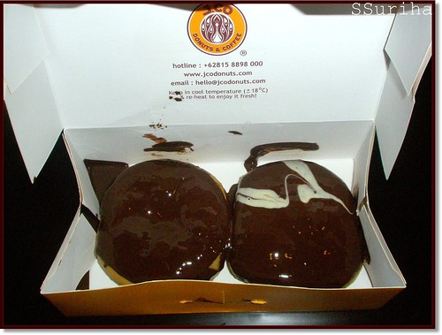Chocolate donuts JCo satu malam Bogor