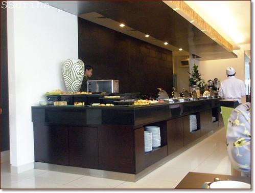 Seawal pagi Cafe Hotel Santika Bogor