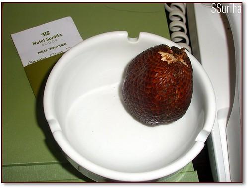 Buah salak | Salacca zalacca | Snake fruit | Sepetang Hotel Santika Bogor