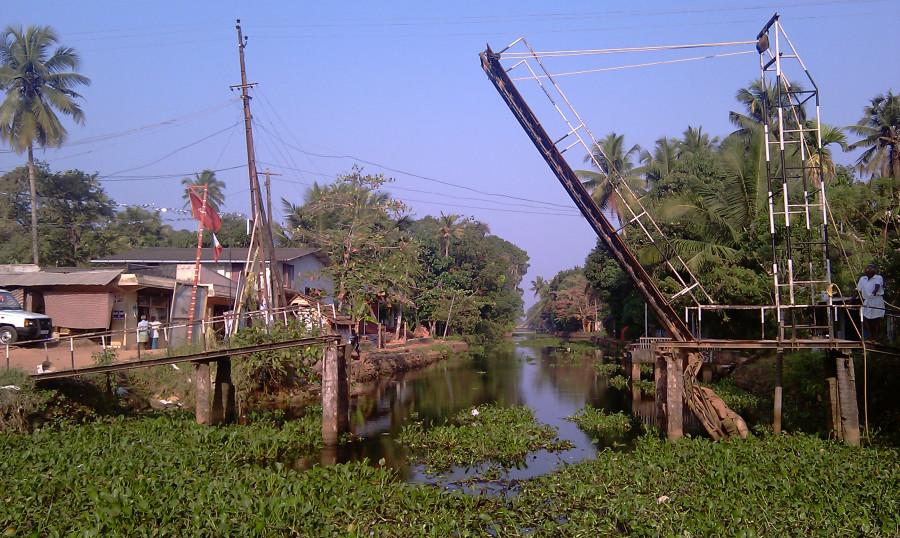 6. Индийская копия Дворцового Моста, Kerala backwaters