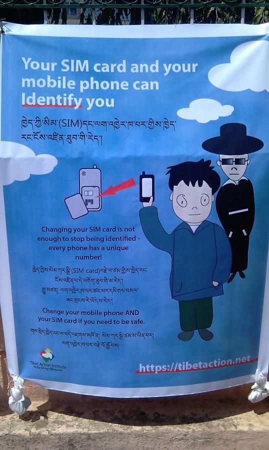 8. Предостерегающие плакаты в тибетской колонии Bylekuppe, Karnataka