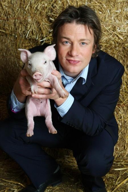 jamie-oliver-and-free-range-pork-2020027837
