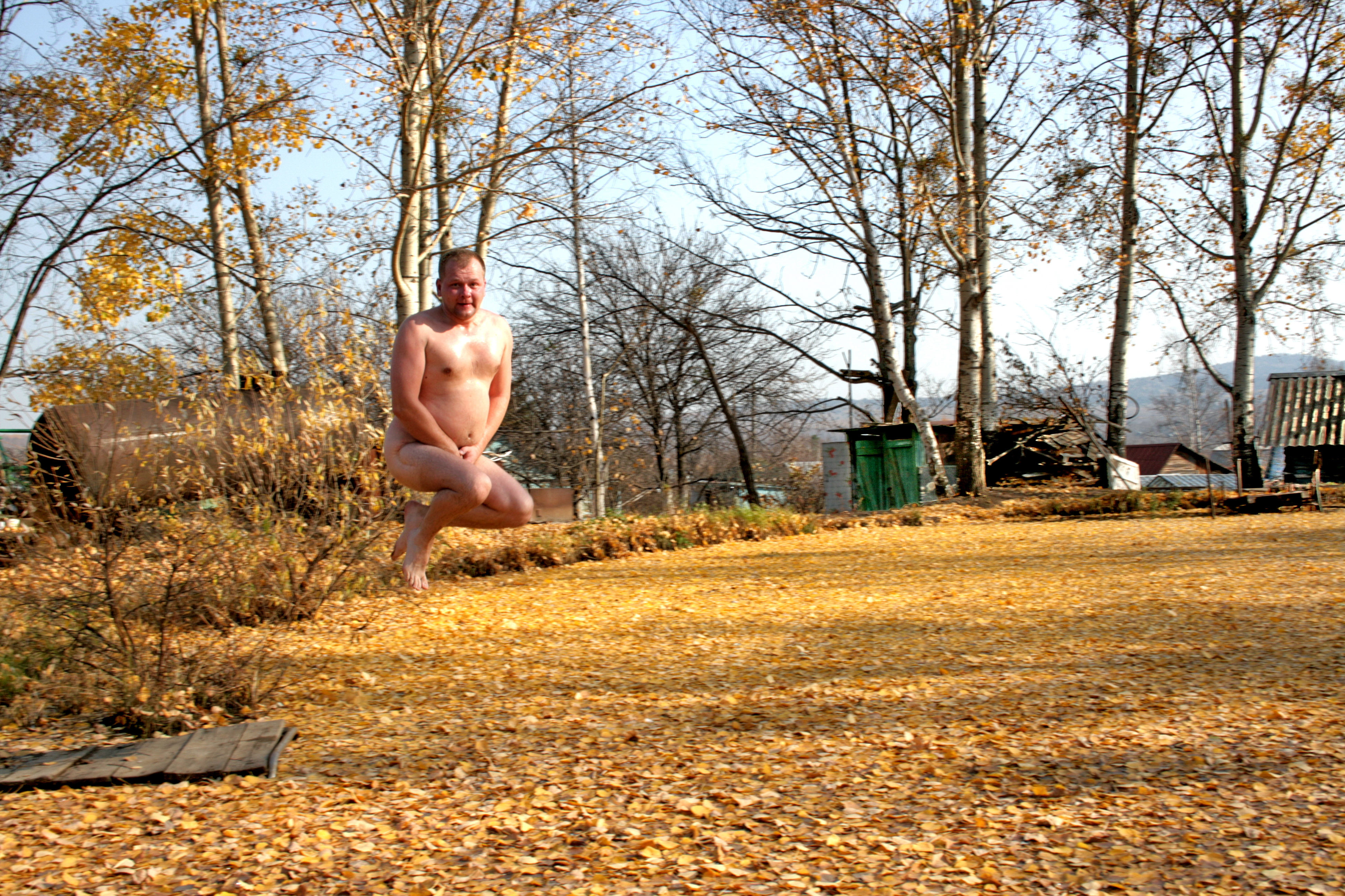 Толстые и голые у водоема фото 19 фотография