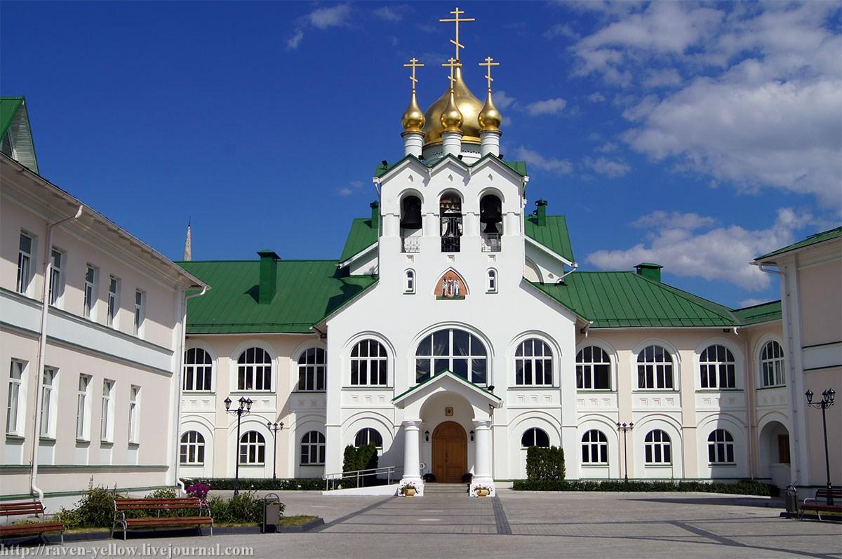 остановка старо голутвинский монастырь фото все понимают
