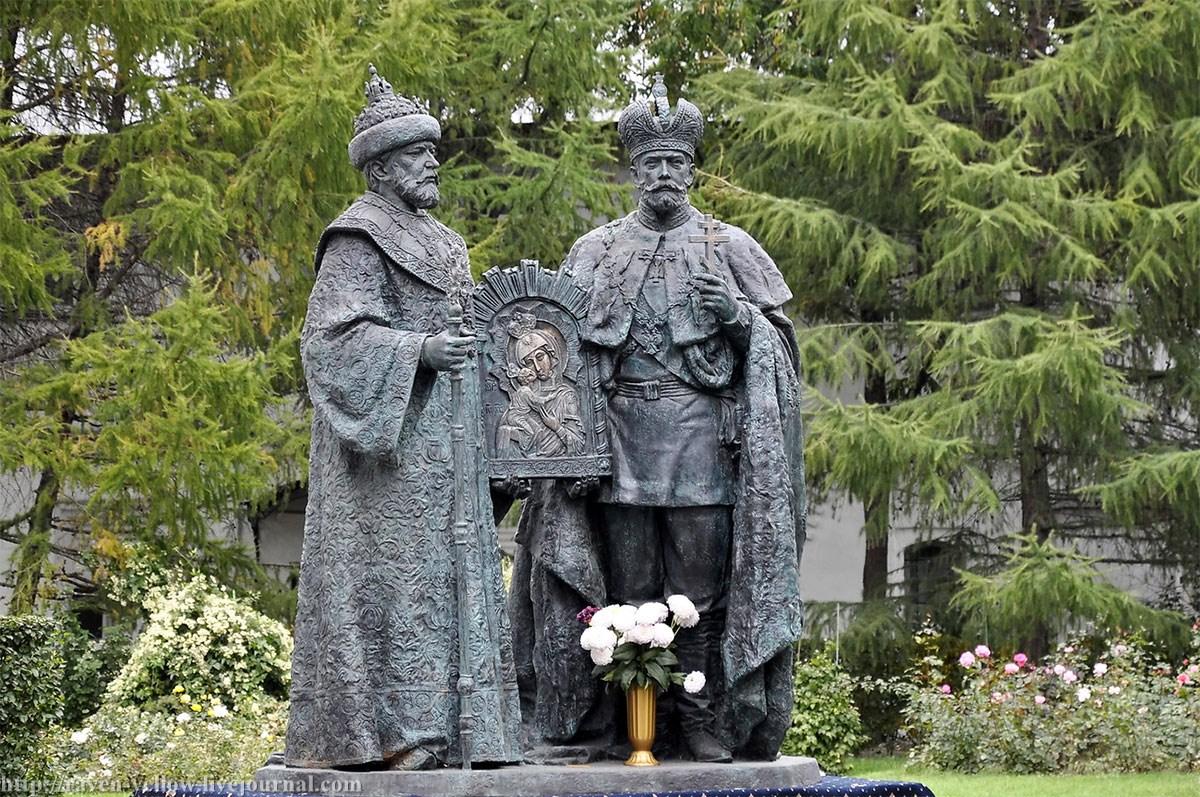 Image result for Новоспасский монастырь памятник царям михаилу и николаю