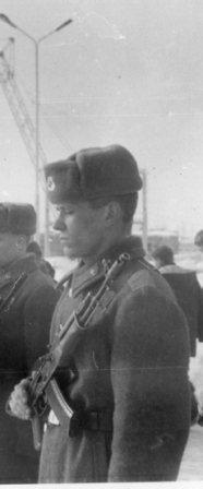 Эдуард Живун погиб декабрь 1994. Фото с нашей присяги (6 февраля 1994).