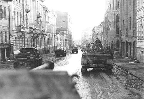 12МАРТА 43 Штурмовые отряды продвигаются по широким центральным улицам Харькова Сумская Улицаphoto06