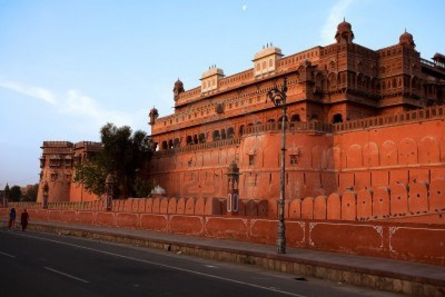 9823817-junagarh-fort-in-city-of-bikaner-rajasthan-state-in-india
