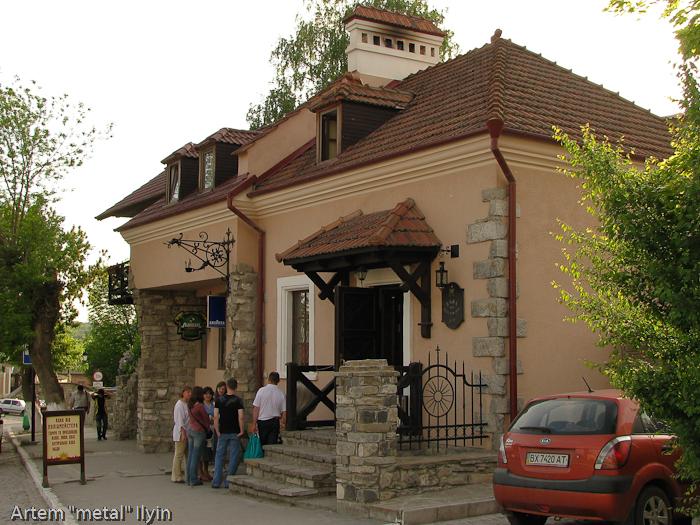 Камянец-Подольский, кофейня Кава від Поліцмейстера