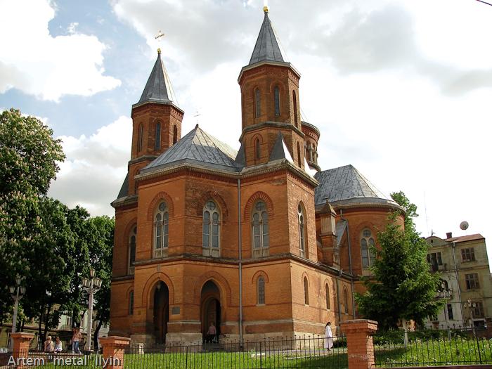 Армянский костел с органным залом, Черновцы
