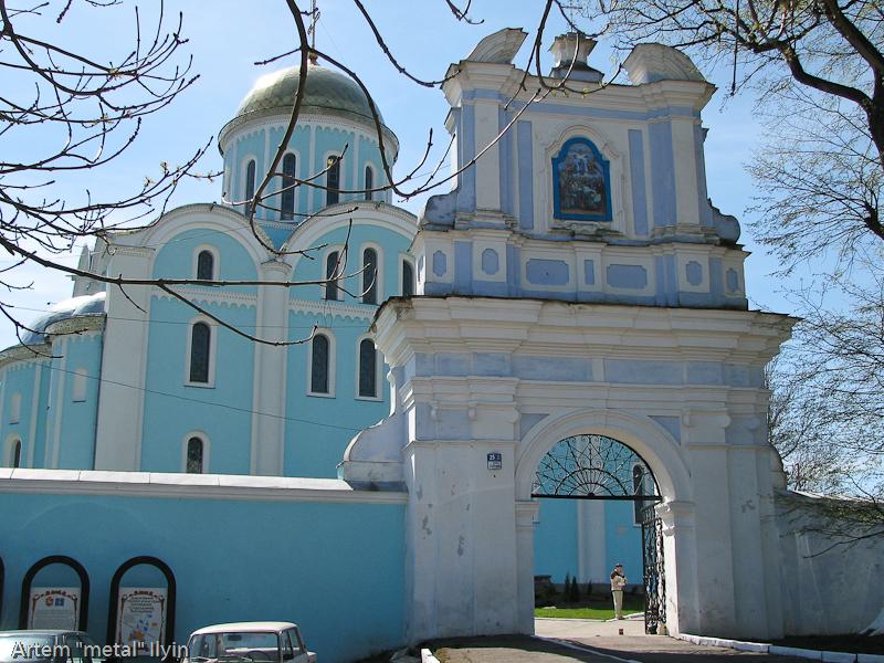 Центральные ворота во двор Успенского собора (храма Мстислава), Владимир-Волынский, Волынская область