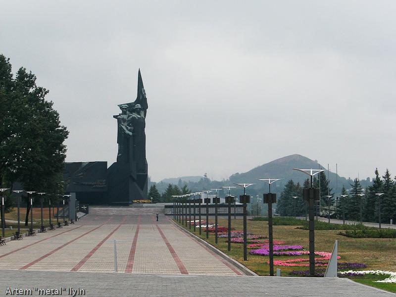Монумент Твоим освободителям, Донбасс! поддерживается в очень хорошем состоянии