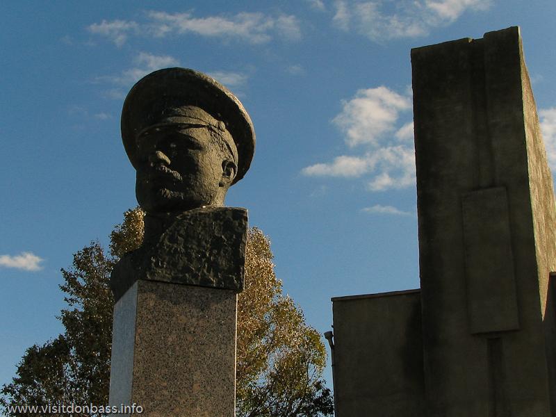 Памятник Георгию Седову в Седово