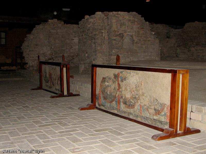 Элементы настенной росписи церкви Иоанна Богослова в замке Любарта в Луцке