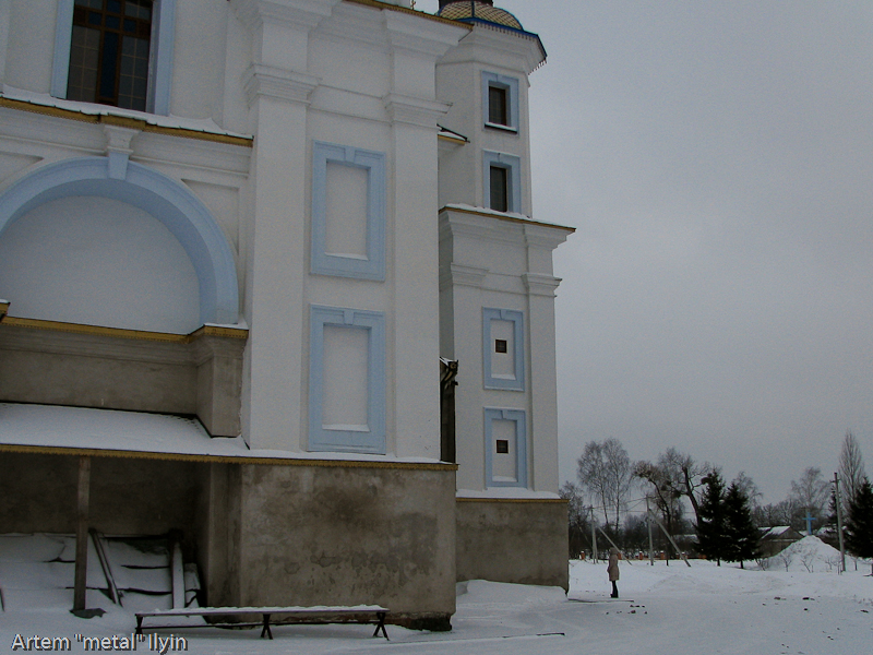 Свято-Покровский храм в селе Пиддубцы Волынской области около Луцка - масштабное сооружение