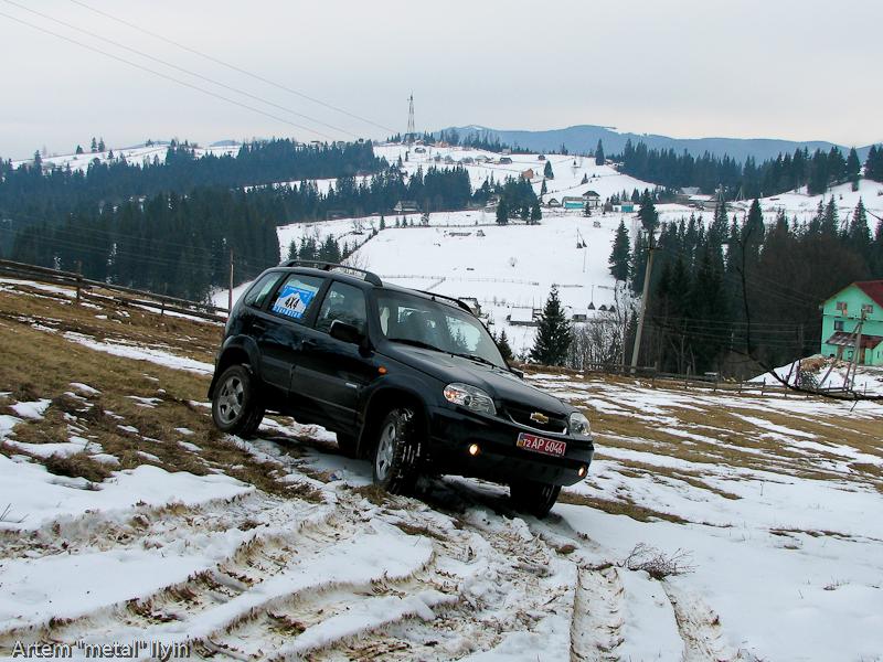 Буковель фестиваль полноприводных автомобилей, Chevy Niva въезд на гору