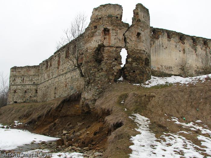 Пневский замок около Надворной в Ивано-Франковской области