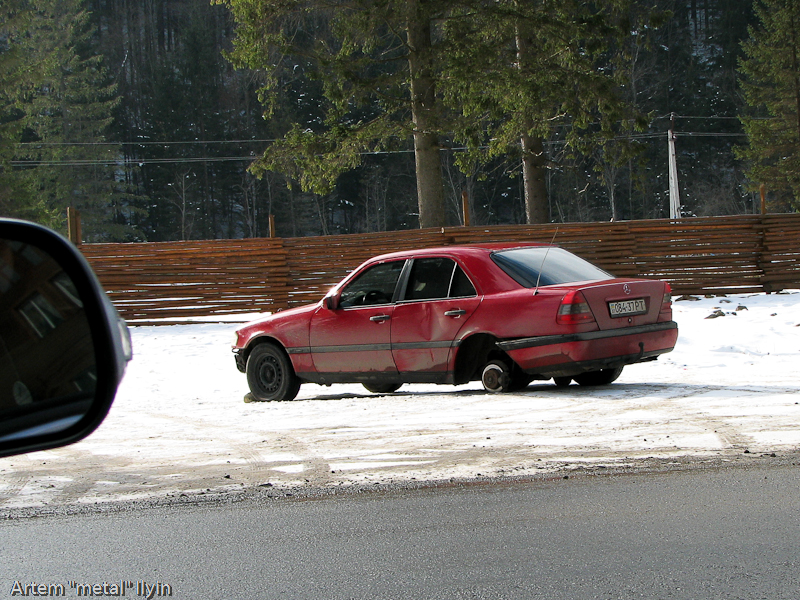 Буковель Татарив авария машины на горной трассе