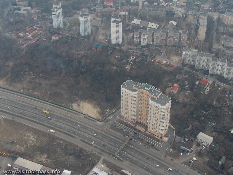 Полет над Киевом, Дом на Саперно-Слободской