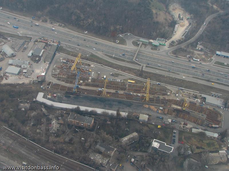 Полет над Киевом, Металлобаза Металл-Холдинг на Саперно-Слободской