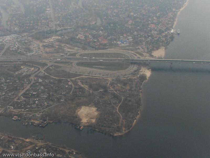 Полет над Киевом, Развязка Южный мост проспект Николая Бажана