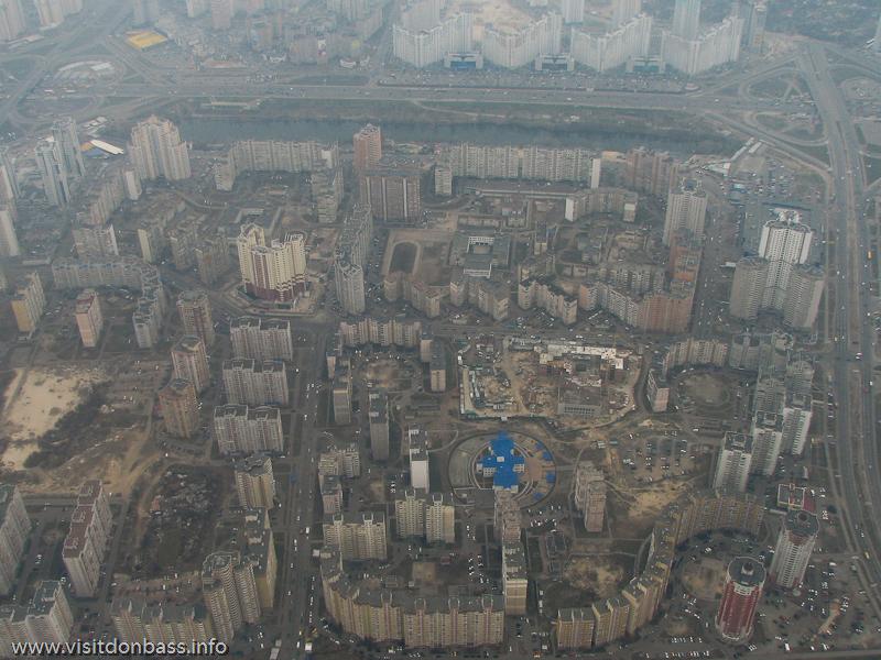 Полет над Киевом, Микрорайон между Осокорками и Позняками