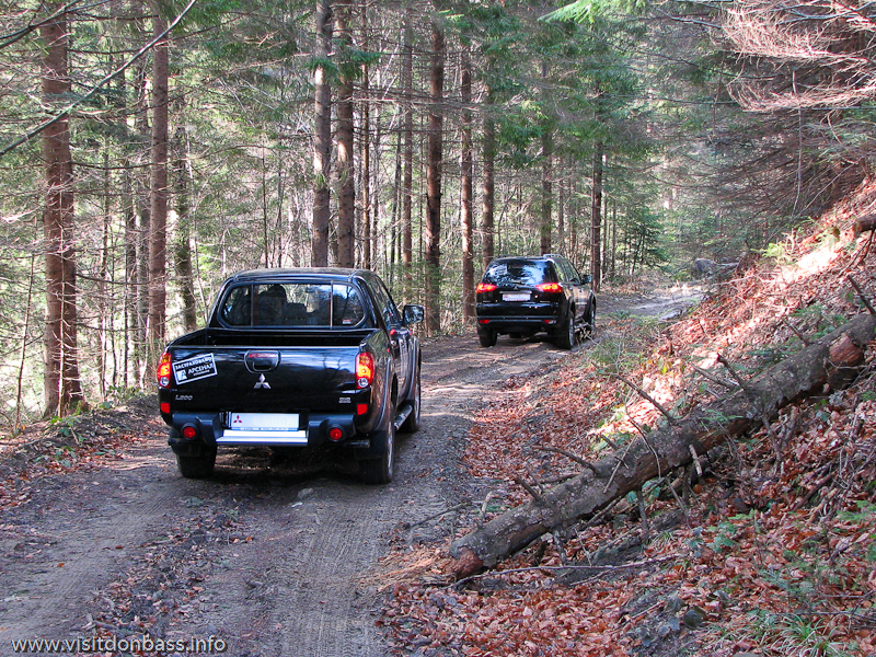 Тест-драйв Mitsubishi в Мигово Карпаты. Pajero Sport и L200 на горной дороге