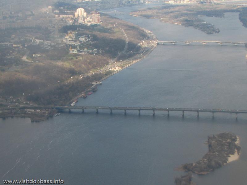 Полет над Киевом, Мост Патона, мост Метро и Киево-Печерская Лавра