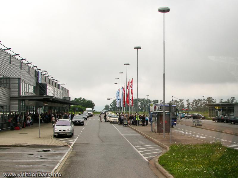 Автобусы и такси в аэропорту Саарбрюккен, Германия
