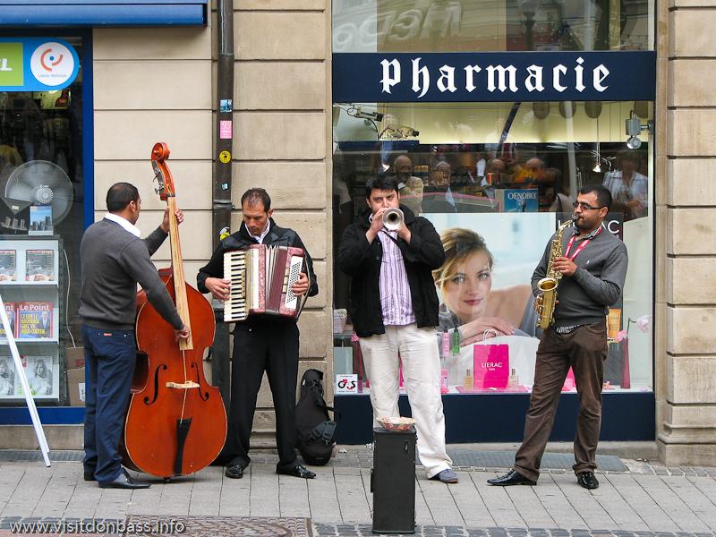 Музыканты в центре Люксембург-сити