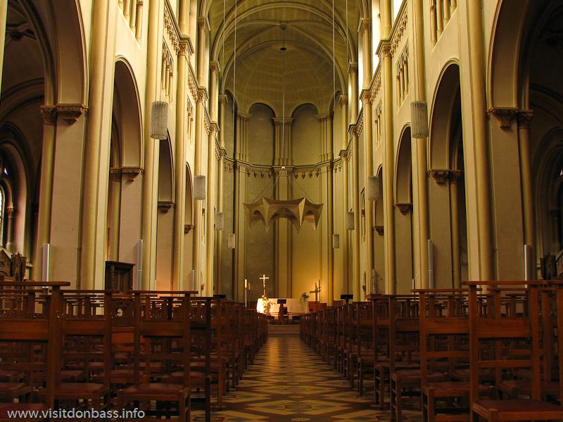 Интерьер церкви Святого Альфонса в Люксембург-сити