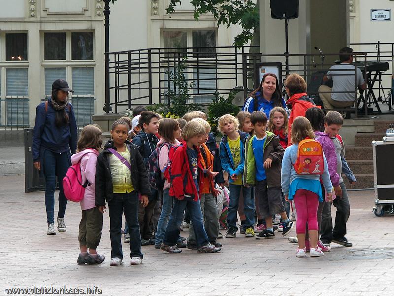 Группа детей в Люксембурге