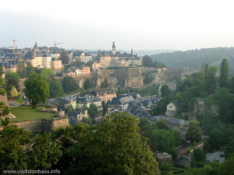Панорама нижнего города Люксембург-сити