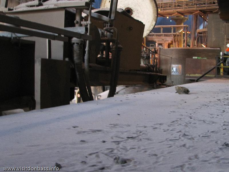 Горы пыли на металлургическом заводе ArcelorMittal Esch-Belval в Люксембурге