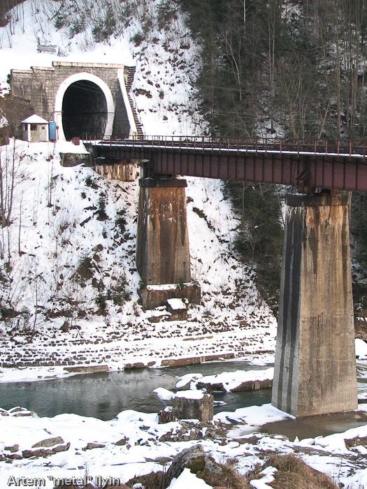 Мост в Яремче в Ивано-Франковской области