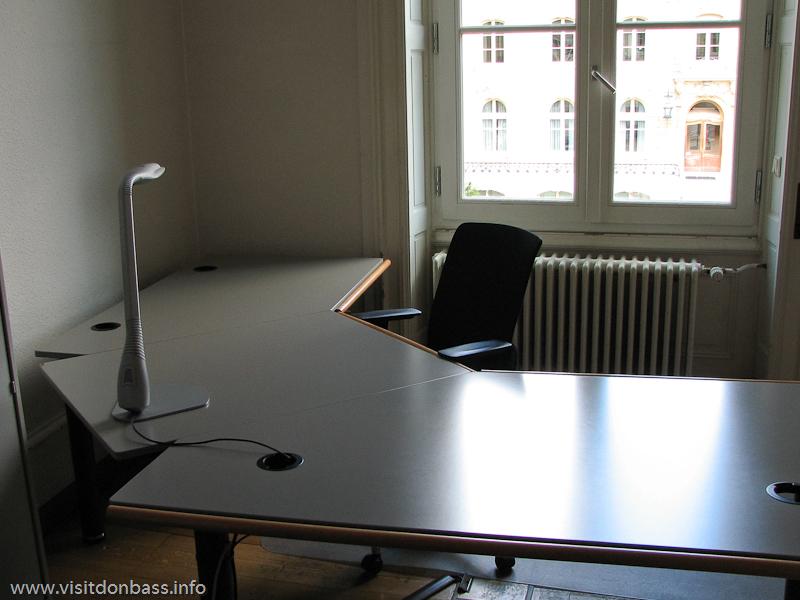 Пустой кабинет в здании компании ARBED в Люксембурге