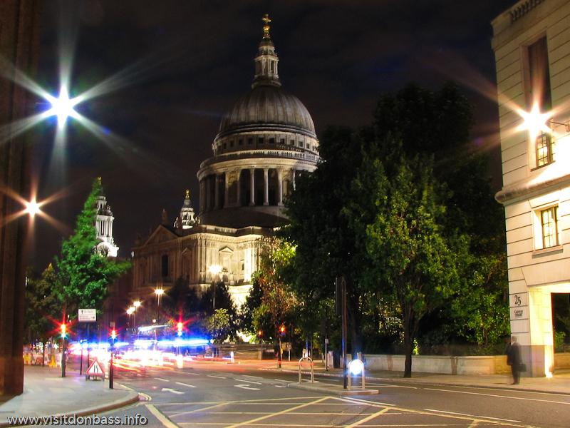 Собор Святого Павла Лондон. London Saint Paul Cathedral Войти внутрь и посмотреть на этот колоссальный купол изнутри можно только по расписанию